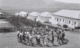 Kibbutz-members-at-Kibbut-006